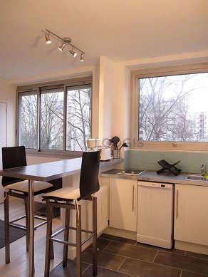Cuisine dînatoire pour 2 personne(s) équipée de lave vaisselle, plaques de cuisson, réfrigerateur, vaisselle