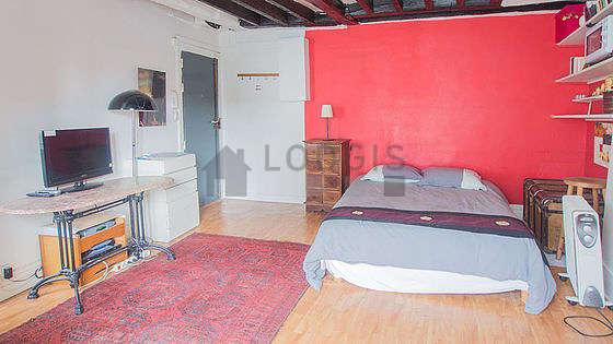 Séjour lumineux d'un appartement à Paris