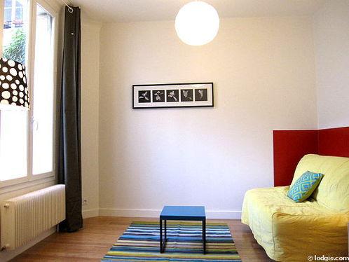 Salon équipé de placard, 4 chaise(s)