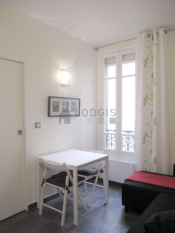 location appartement 1 chambre paris 17 rue dautancourt. Black Bedroom Furniture Sets. Home Design Ideas