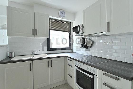 appartement paris cuisine with seche linge en appartement. Black Bedroom Furniture Sets. Home Design Ideas
