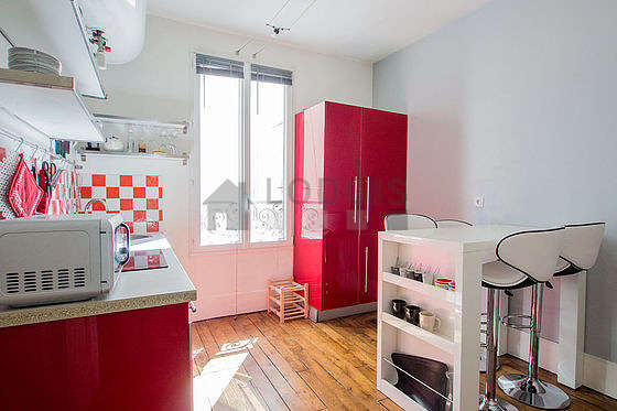 Beautiful kitchen of 9m² with its wooden floor