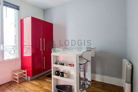Kitchen where you can have dinner for 4 person(s) equipped with dishwasher, hob, refrigerator, cookware