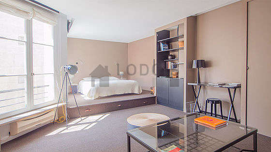 Location meubl e studio rue du faubourg saint honor for Appartement meuble paris long sejour