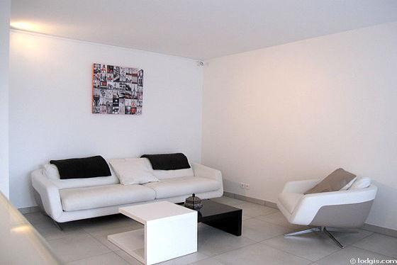 Séjour très calme équipé de téléviseur, lecteur de dvd, 1 fauteuil(s), 2 chaise(s)