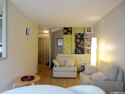 Séjour équipé de 1 canapé(s) lit(s) de 80cm, téléviseur, chaine hifi, 2 fauteuil(s)