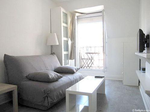 Séjour très calme équipé de 1 canapé(s) lit(s) de 140cm, téléviseur, armoire, commode