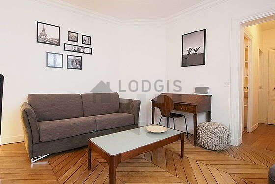 Very quiet living room furnished with 1 sofabed(s) of 140cm, tv, hi-fi stereo, 3 chair(s)