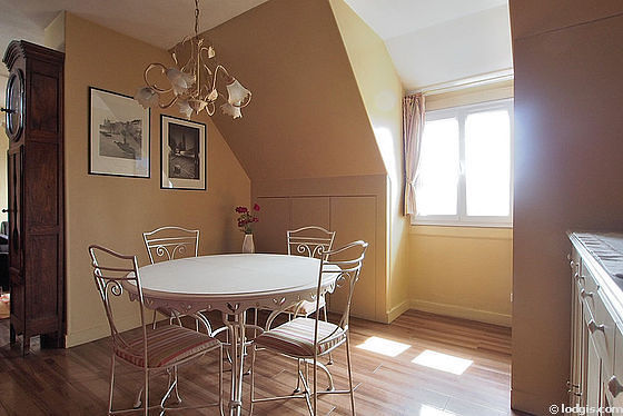 Beautiful dining room with linoleum floor for 4 person(s)