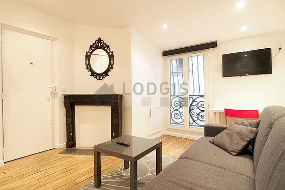 location studio avec chemin e paris 17 passage geffroy didelot meubl 17 m batignolles. Black Bedroom Furniture Sets. Home Design Ideas