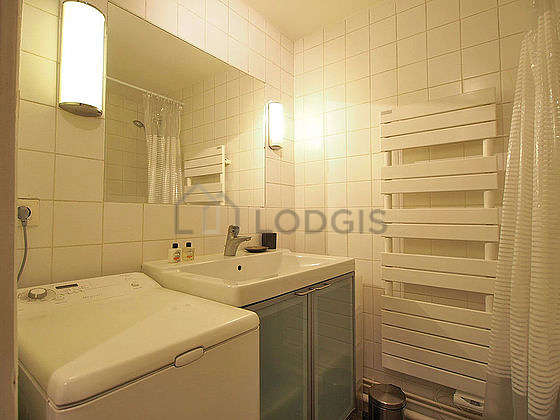 Bathroom with slate floor