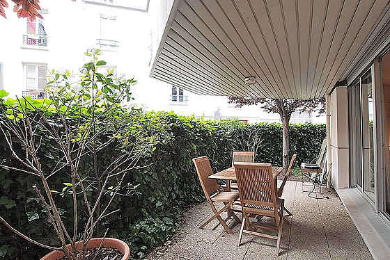 Garden furnished with dining table, 4 chair(s)