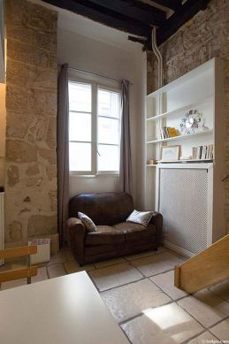 Séjour calme équipé de canapé, 2 chaise(s)