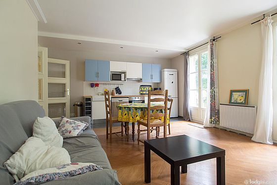 Location appartement 3 chambres avec jardin ascenseur et for Appartement meuble paris long sejour