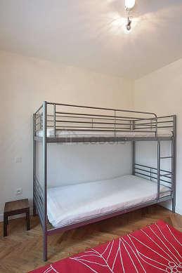 Chambre calme pour 2 personnes équipée de 1 lit(s) supperposé(s) de 80cm