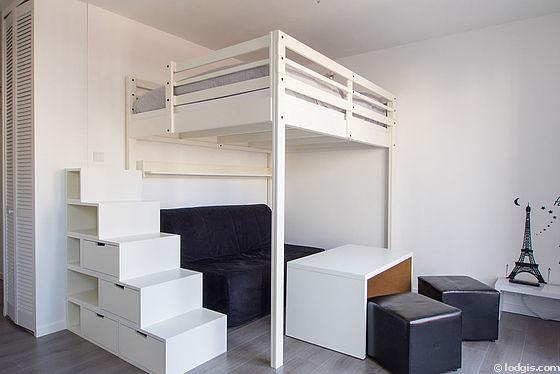 Séjour très calme équipé de 1 canapé(s) lit(s) de 140cm, 1 lit(s) mezzanine de 140cm, téléviseur, penderie