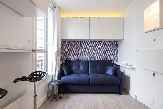 location studio paris 4 quai de bourbon meubl 15 m notre dame le saint louis. Black Bedroom Furniture Sets. Home Design Ideas