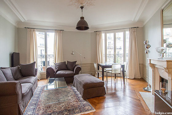 Quiet living room furnished with 1 sofabed(s) of 140cm, tv, dvd player, 1 armchair(s)