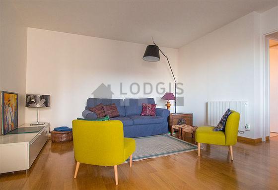 location appartement 1 chambre avec terrasse et ascenseur paris 13 avenue de la soeur rosalie. Black Bedroom Furniture Sets. Home Design Ideas