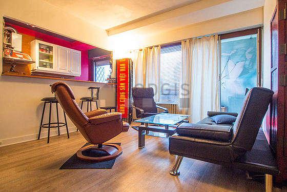 Séjour calme équipé de 1 canapé(s) lit(s) de 140cm, canapé, 2 fauteuil(s)