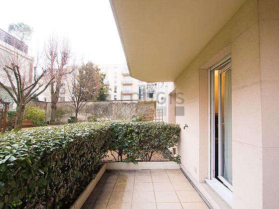 Terrasse avec du dallage au sol
