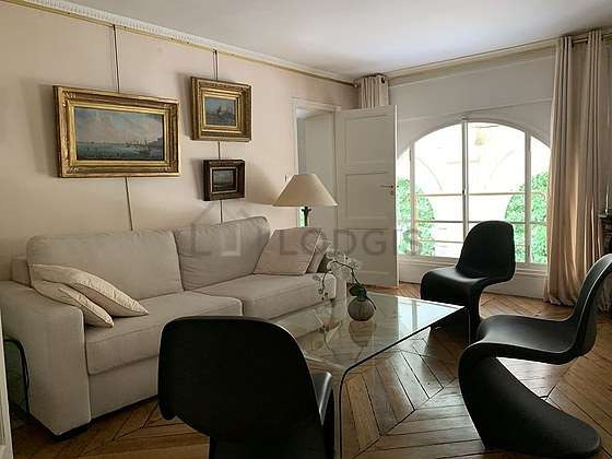 Very quiet living room furnished with 1 sofabed(s) of 140cm, hi-fi stereo, storage space, 6 chair(s)