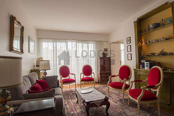Quiet living room furnished with 1 sofabed(s) of 120cm, tv, hi-fi stereo, 4 armchair(s)