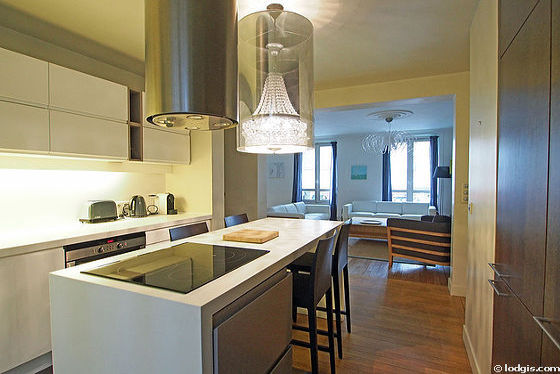 Kitchen where you can have dinner for 2 person(s) equipped with washing machine, refrigerator, extractor hood, stool