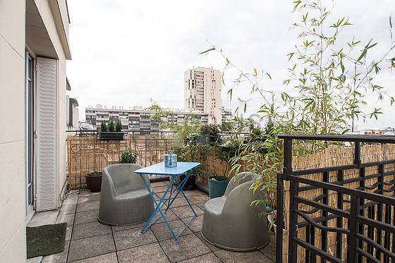 Location appartement 2 chambres avec terrasse et ascenseur for Appartement paris 12 terrasse