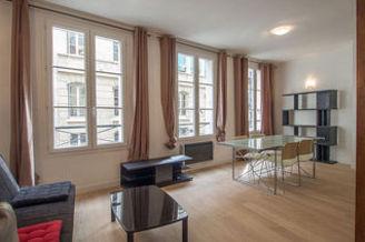 Appartement Rue Des Bernardins Paris 5°