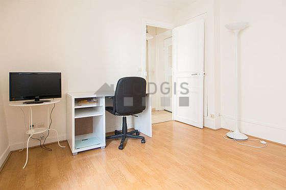 Location studio paris 17 rue cardinet meubl 21 m for Location meuble paris 17