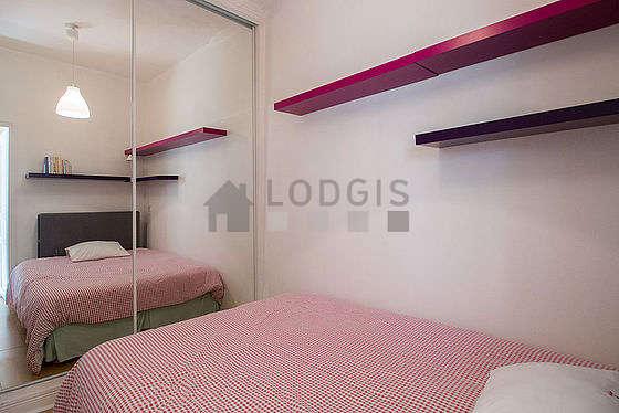 Location appartement 1 chambre avec terrasse paris 19 for Chambre 19 paris