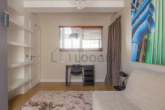 Chambre calme pour 2 personnes équipée de 1 canapé(s) lit(s) de 130cm