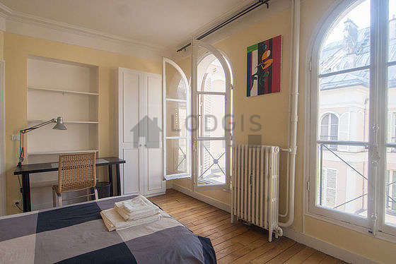 Bedroom with windows facing the courtyard