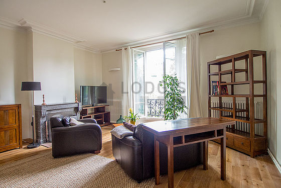 Location appartement 1 chambre avec chemin e et local for Appartement meuble paris 16