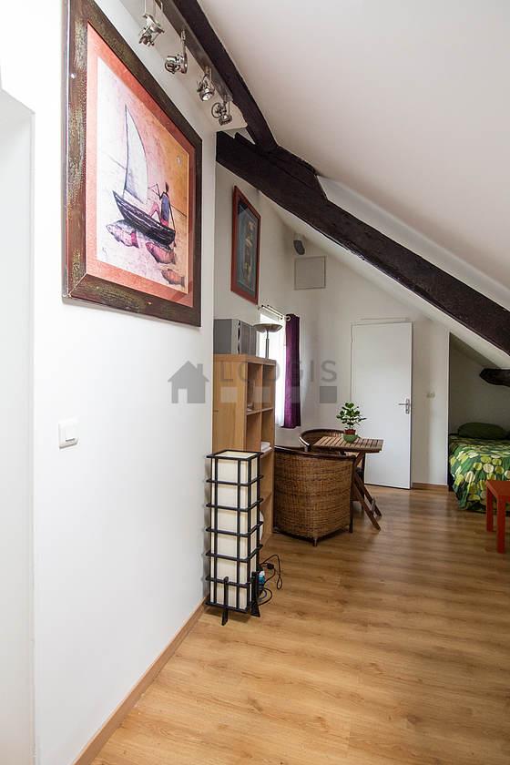 Location studio avec local v los paris 10 rue saint maur meubl 35 m canal saint martin - Recherche studio meuble paris ...