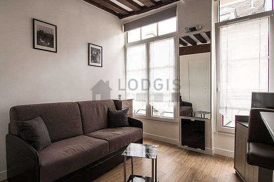 Location studio paris 4 rue le regrattier meubl 15 for Appartement meuble paris long sejour