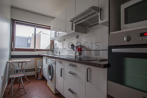 Location appartement 1 chambre avec terrasse ascenseur et for Location studio meuble paris 15