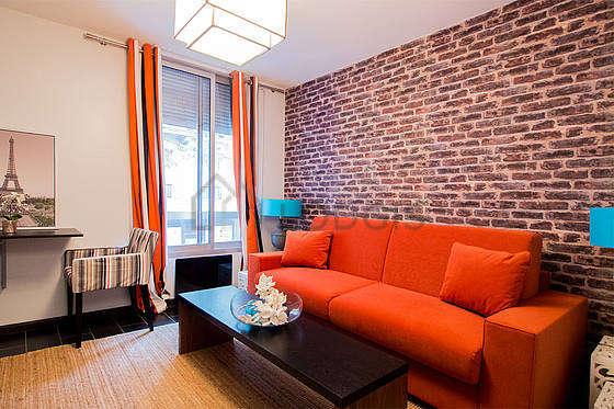location studio avec ascenseur paris 17 rue brey. Black Bedroom Furniture Sets. Home Design Ideas
