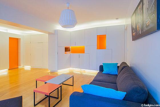 Séjour très calme équipé de 1 lit(s) armoire de 140cm, téléviseur, penderie, placard