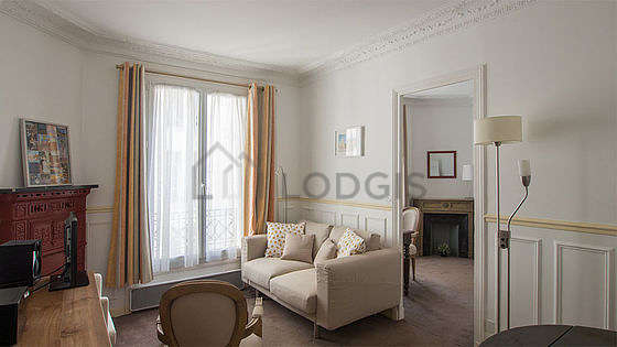 Very quiet living room furnished with tv, hi-fi stereo, 3 armchair(s)