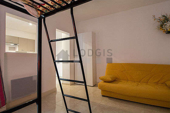 Quiet bedroom for 4 persons equipped with 1 loft bed(s) of 140cm, 1 sofabed(s) of 140cm