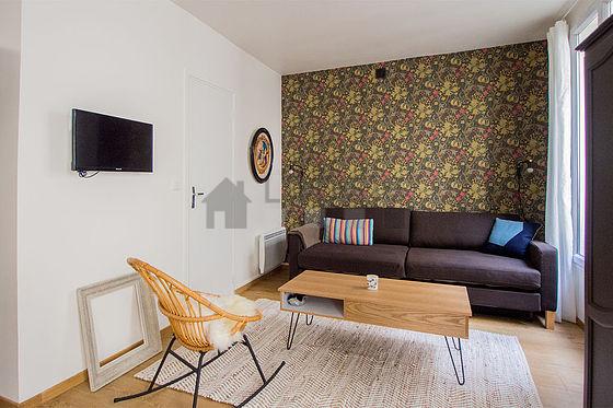 Paris p re lachaise rue des mara chers monthly for Living room 75020