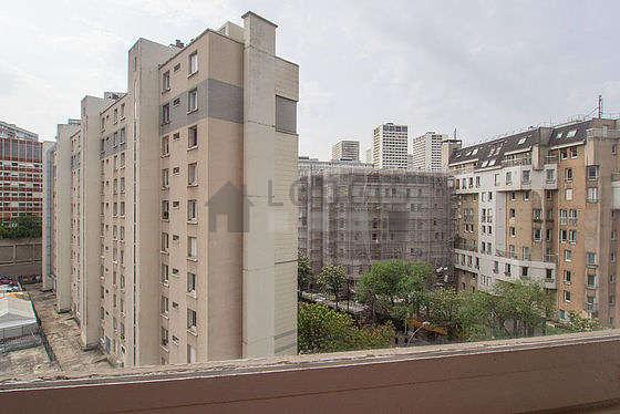 location studio avec ascenseur paris 13 avenue d 39 ivry meubl 16 m quartier chinois. Black Bedroom Furniture Sets. Home Design Ideas