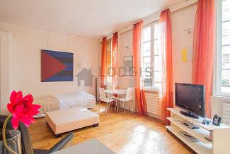 République Paris 11° studio