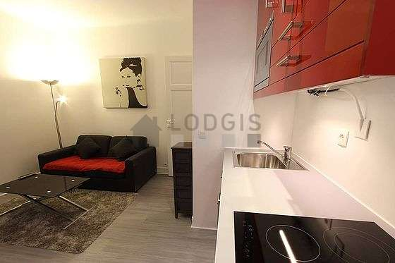 Quiet living room furnished with 1 sofabed(s) of 140cm, tv, storage space