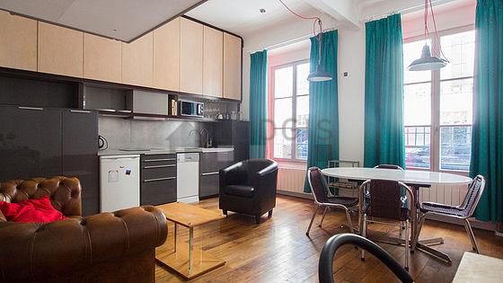 location studio paris 17 rue truffaut meubl 30 m. Black Bedroom Furniture Sets. Home Design Ideas
