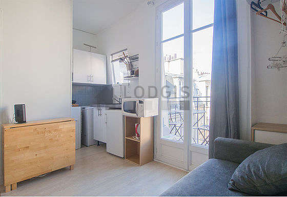 Location studio paris 14 rue furtado heine meubl 12 for Appartement meuble paris long sejour