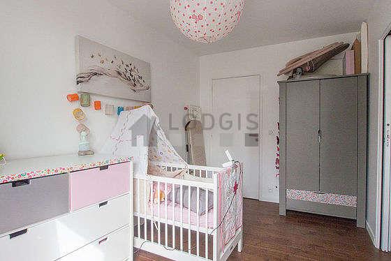 Chambre calme pour 1 personnes équipée de 1 lit(s) bébé de 0cm