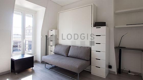 Location studio avec ascenseur paris 17 rue lemercier for Location meuble paris 17 particulier